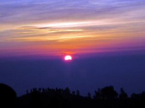 Sunrise dilihat dari Prau